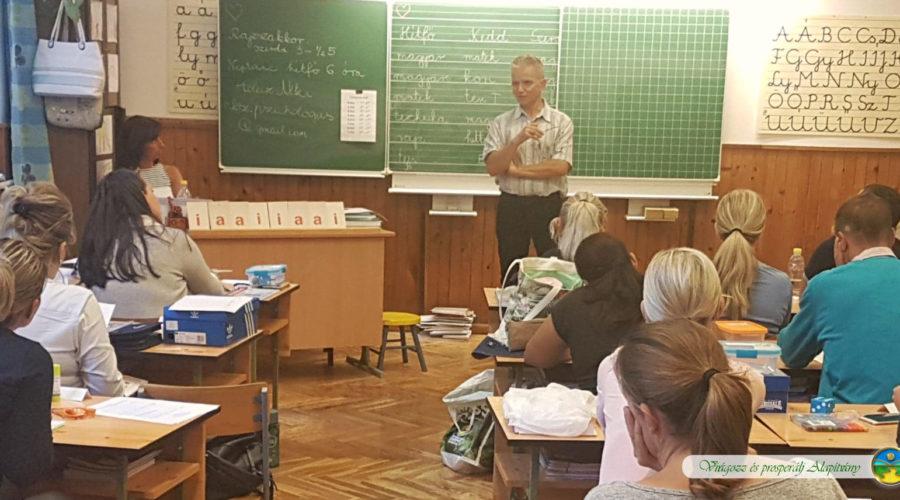 Villám Gyereknevelési Szeminárium egy általános iskolában
