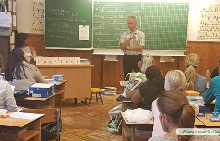 Villám Gyereknevelési Előadás egy általános iskolában